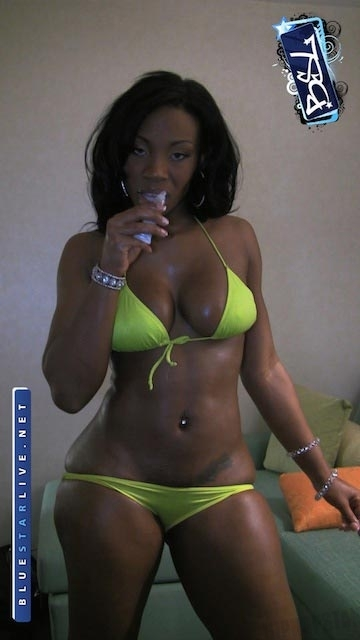 BSL-Ms.-LaStarya-Yellow-Panties-15