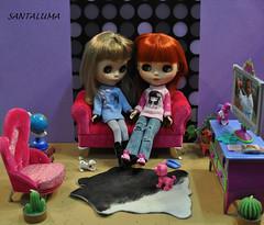 Iani e Aisha colocando as fofocas em dia!!