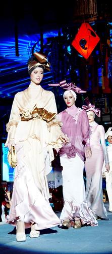 Islamic fashion festival 2010 - Jovan Mandagie (1)