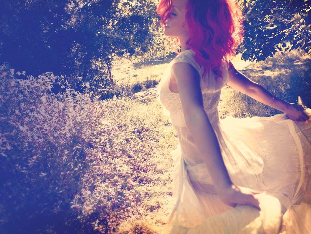 """Rihanna - """"LOUD"""" (12/11/2010) {Album nhạc cực hay, cực chất...} 5174357994_6d5471f8b1_b"""