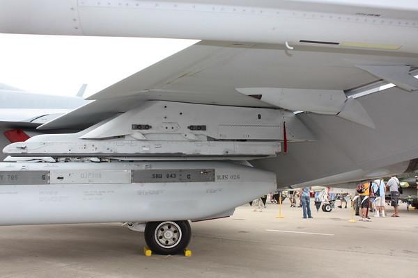 EAA10_EA-18G_18