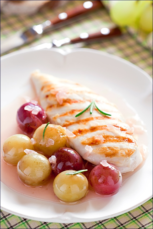 Chicken with grape