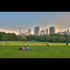Central Park (whc7294) Tags: nyc usa newyork nikon centralpark manhattan hdr sheepmeadow d300 ニューヨーク photomatix 2470mmf28 10faves マンハッタン superhearts platinumheartaward シープメドウ