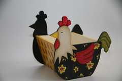 Galinha Porta Ovos (Kika 2002) Tags: wood chicken galinha handmade artesanato craft handpainted madeira mdf pinturaemmadeira