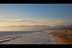 I miss summer already (Eric 5D Mark III) Tags: ocean california sunset summer sky people cloud mountain seascape beach canon landscape evening losangeles play santamonica wave ef24105mmf4lisusm eos5dmarkii