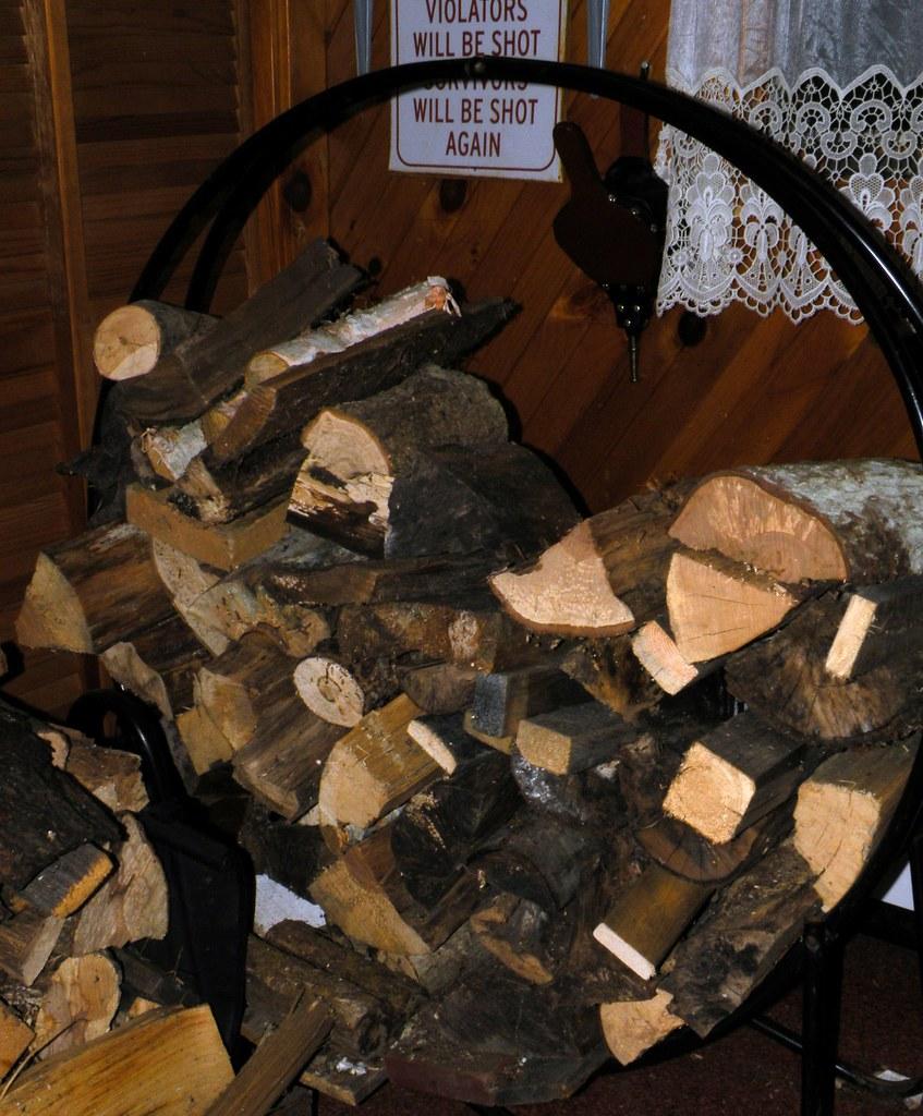 .Mod Vintage Metal Wood Rack