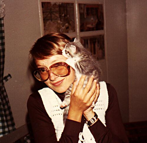 mamma  och katt.