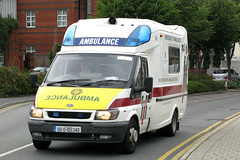 Eastern Region Ambulance Service 00-D-105340 (Howard_Pulling) Tags: ireland dublin irish ford august ambulance 2008 jamess fordtransit ambulances easternregion easternregionambulanceservice 00d105340 irishambulance
