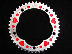 red_heart_chainring02 (Candy Cranks) Tags: bicycle singlespeed fixed chainrings 144bcd 130bcd candycranksheartchainrings