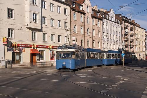 Am Nordbad biegt P-Wagen 2005 in die Hohenzollernstraße ein