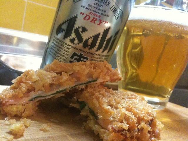 どうも、キッチンドランカーです。チーズハムカツ、なんも、つけないでもうめええ! #jisui
