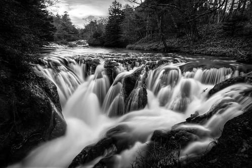 フリー写真素材, 自然・風景, 滝, 川・河川, モノクロ写真, 日本,