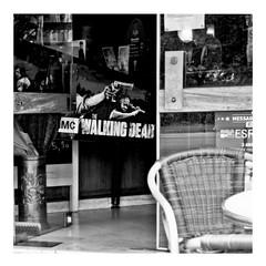 ricky's hand (japanese forms) Tags: ©japaneseforms2017 ボケ ボケ味 モノクロ 日本フォーム 黒と白 bw blackwhite blackandwhite blancoynegro bokeh candid fadgadget michonne monochrome pinball pun random rickgrimes rickyshand schwarzweis square squareformat strasenfotografie straatfotografie streetphotography thewalkingdead vlaanderen woordspeling wortspiel zwartwit