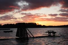 Binnenwasser 3 (Von Noorden her) Tags: sundown sonnenuntergang water wasser sea pond binnenwasser neustadt holstein boat boot boote wolken cloud clouds wolke schatten shadows night nacht abend evening