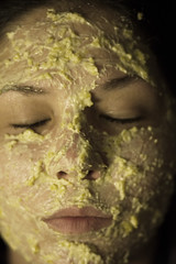 Nourishing Mango Mud Mask