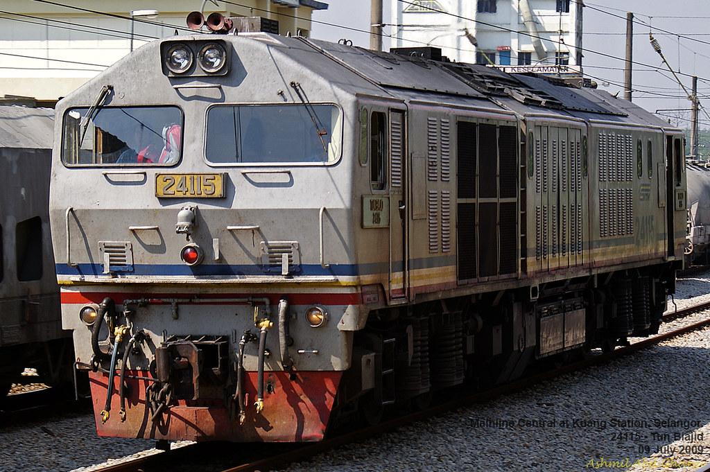 24115 at Kuang Station