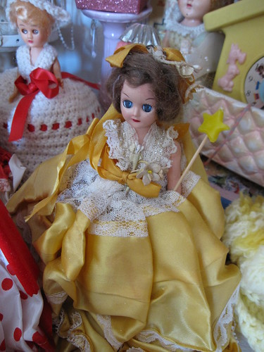 The Dolls in the Curiosity Cabinet! 12