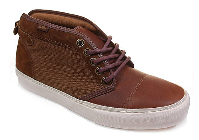 Vans-Vault-Chukka-Buckleback-LX-Fall-2010-Brown-Colorway-01