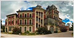 Chateau du Parc Ducup (Sebastian Lauwers) Tags: autostitch france castle panasonic chateau perpignan lightroom lr2 lx3 ducup