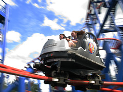 Alton Towers Sonic Pinball 2 (Chattytumbler) Tags: blue red sky clouds danger fun blurry ride rollercoaster cart panning themepark altontowers