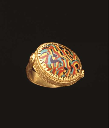 A Fine and Rare Hellenistic Gold Ring with Mottled Glass Scaraboid