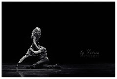 """Intemperie"" - Diana Theocharidis (..  ..) Tags: bw ballet byn blancoynegro blackwhite danza feeling sentimientos bailarines intemperie obrateatral teatroalvear luduen aboutfeelings trescoregrafostresmiradas balletcontemporneodelteatrosanmartn coreografiadianatheocharidis"