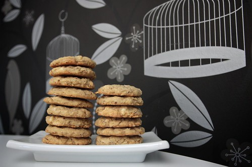 almond white chocolate cookies