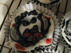 ugly wampa cupcakes by haggispigwidgeon