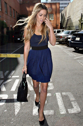 Lauren Conrad Looks Pretty In Blue! 1/1