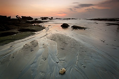Last light in mengening beach (djsitaun) Tags: longexposure sunset bali beach sand 1022mm cokin lastlights mengeningbeach