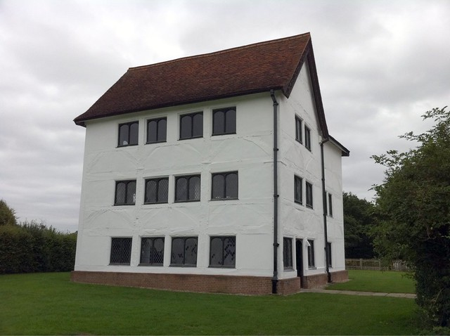 Henry VIII hunting lodge - used as a grandstand for shooting arrows at deer. Henry also had it painted pink!