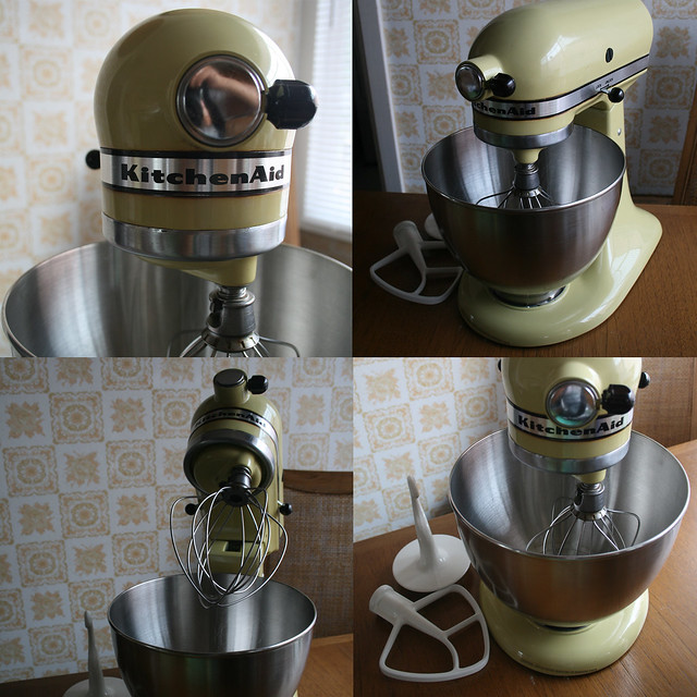 my (new) vintage stand mixer!