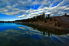 Yellowstone River (Ravi Pinisetti) Tags: reflection nature clouds canon river ravi yellowstone 1022mm yellowstoneriver canon500d rkp canont1i ravipinisetti pinisetti