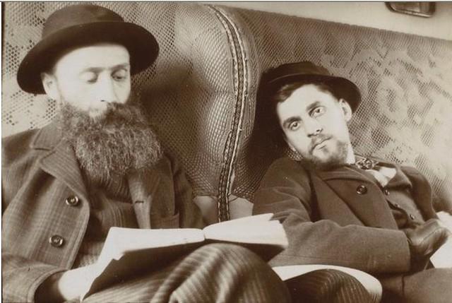 Édouard Vuillard y Antoine Bibesco en el tren viajando por España en el invierno de 1901. Fotografía del príncipe de Rumanía Emmanuel Bibesco. Museo D´Orsay.