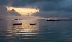 Amanecer cuadrado (los alcazares) (SanchezCastillejo) Tags: barcos sony murcia amanecer alpha tamron alhama cuadrado alcazares a700 castillejo 175028 flickrsportal