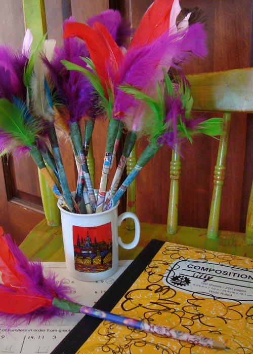pencil-cup-feathers-2