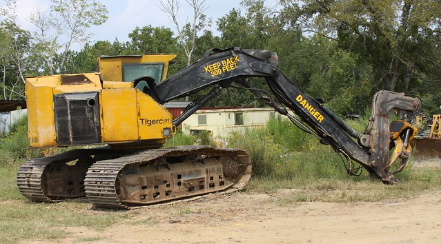 2002 Tigercat 845B Track Fellerbuncher with 20quot Single Post Sawhead for Sale at Forestry First by Forestry First