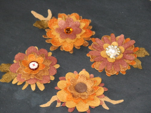 autumn felt flower pin 008