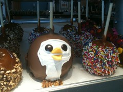 Just spotted the @HootSuite owl in candy apple form