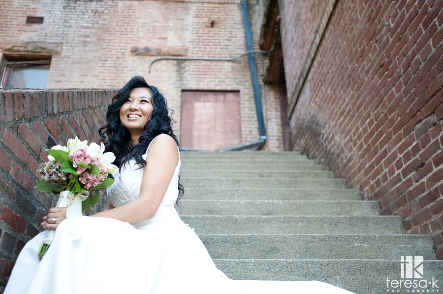 Modern Bridal session in the foothills of Northern California