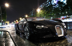 A world of glitz and glitter ([ JR ]) Tags: summer black paris car night canon eos noir shot champs elysées exotic arab 17 28 50 tamron bugatti sang nuit rare supercar qatar 2010 veyron fouquets 550d fialeix