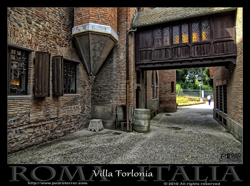 Roma - Villa Torlonia - Casa de las lechuzas 04