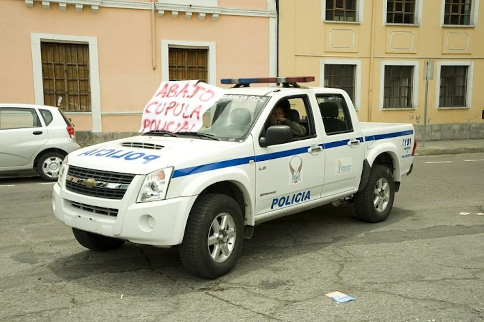 Demonstration sign on police car