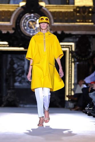 Stella+McCartney+Runway+Paris+Fashion+Week+VdHrTbAEiFwl