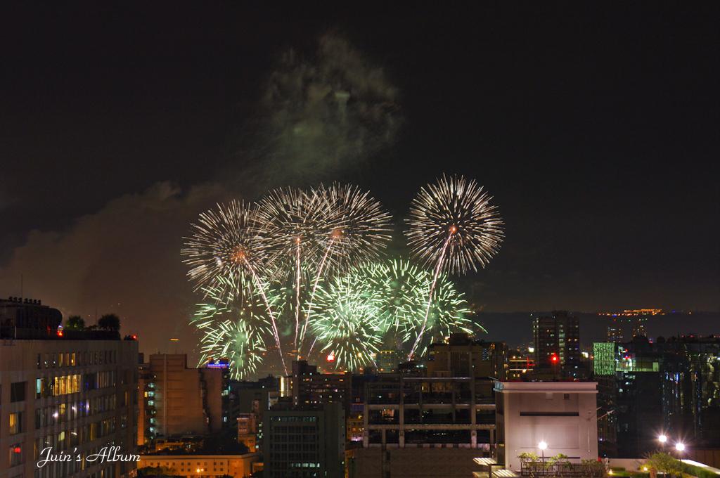 2010 雙十國慶煙火(屋頂板)
