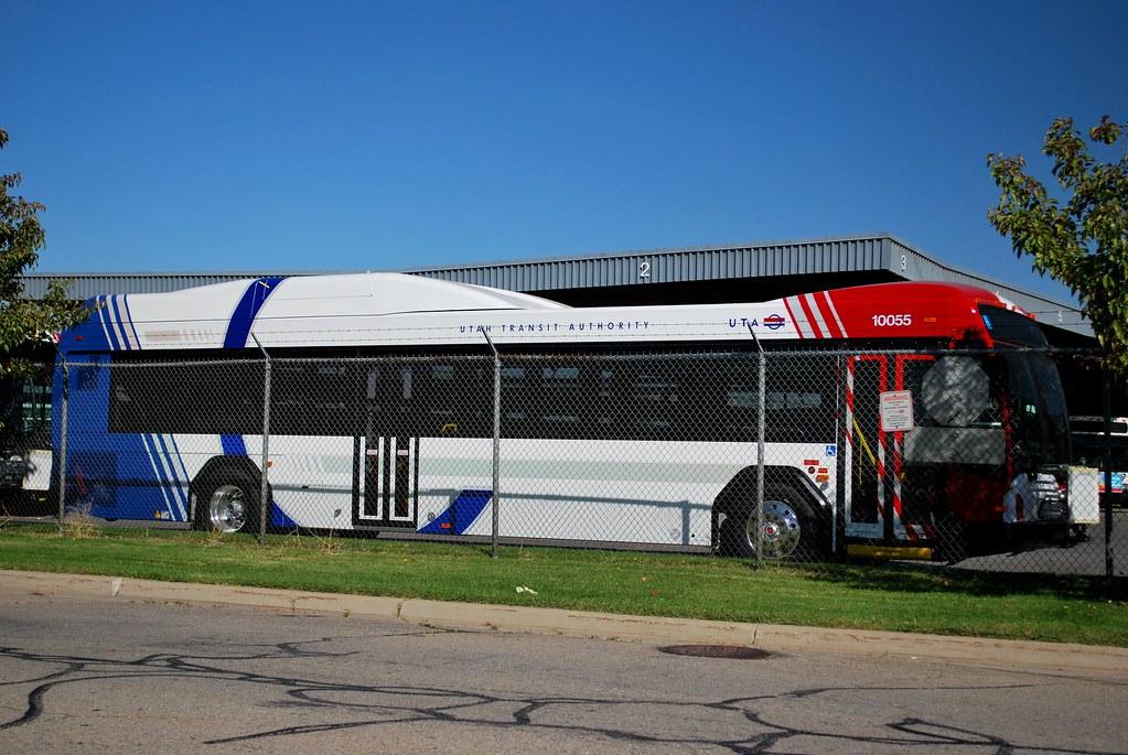 UTA Hybrid Gillig Advantage BRT