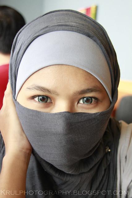 eyes to eyes.