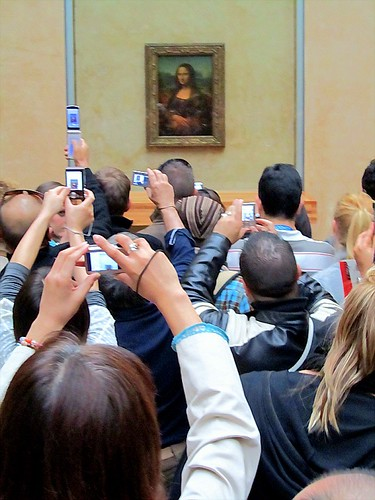 The crowd in front of the Mona Lisa