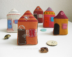 burnt orange (Loddelina) Tags: house miniature stuffed pin handmade brooch fabric tiny embellishment applique embroidered loddelina