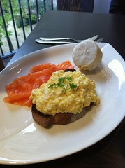 Scrambled eggs with salmon at Angels with Bagpipes on Edinburgh's Royal Mile